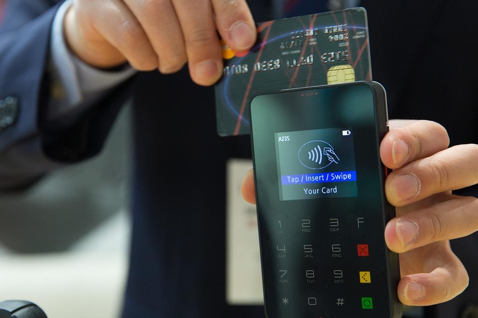 Медийни истерии или реална опасност: Крадци с мобилни ПОС терминали ни ограбвали тихомълком