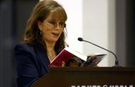 Почина писателката Джаки Колинс