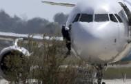 Самолет с членове на кабинета кацна аварийно във Виена