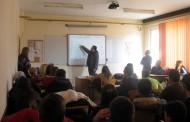 Ученици от гимназията в Слънчев бряг дискутираха как се ползва глобалната мрежа безопасно
