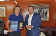 Кметът на Несебър удостои с почетен знак Кристиян Тодоров, касирал се четвърти  в най-голямото IT състезание в света