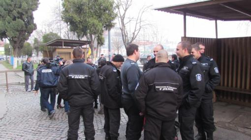 Надзиратели в бургаския затвор излизат на протест
