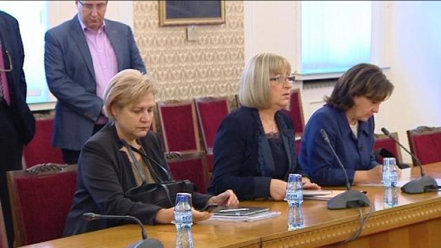 Терминал 3: Цецка Цачева е кандидатът за президент на ГЕРБ