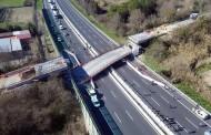 Мост се срути над магистрала в Италия, има загинали и ранени (СНИМКИ)