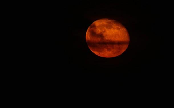 Светът се подготвя да наблюдава явлението Супер Луна