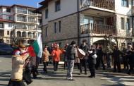 Българи и руснаци виха хора в Свети Влас за Трифон Зарезан