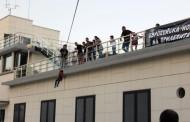 """6-годишният Филип скочи с въже от терасата на Казиното в """"Нощта на прилепите"""""""