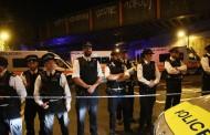 Бус връхлетя върху пешеходци пред джамия в Лондон