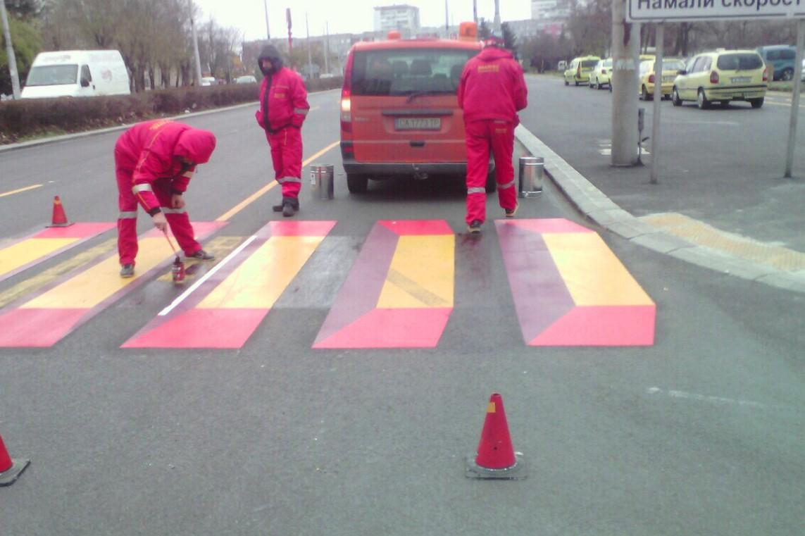 Трима възрастни пешеходци са били блъснати за два дни в Бургас
