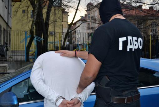 Оставиха в ареста, обвинен в опит за изнасилване на сервитьорка в Сънито