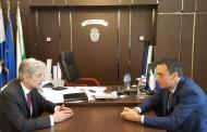 Министър Димов и кметът на Бургас обсъдиха мерки срещу замърсяването на въздуха