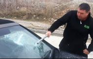 Бибо си потроши колата с бухалка! Зове: