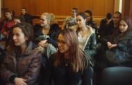 Ученици от Немската гимназия в Бургас гостуваха на Окръжен съд