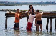 Започна природозащитната бригада Атанасовско езеро: Презареждане