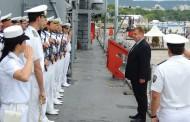 Военният министър награди униформените, вадили хора от падналия хеликоптер