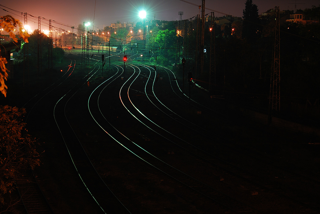Влак блъсна мъж край Сливен