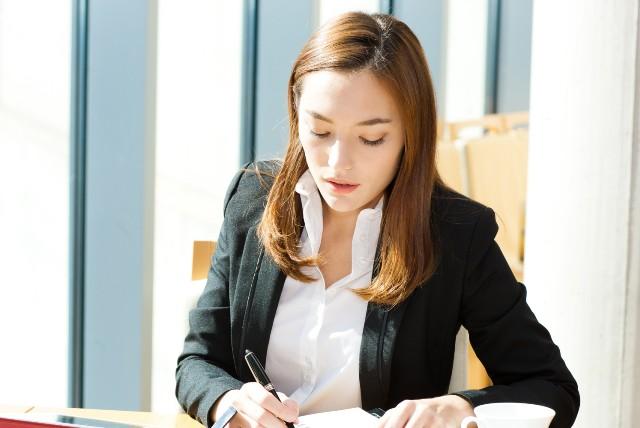 Топ 10 на най-търсените професии в България