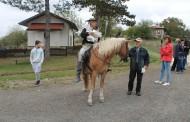 Тържествено откриха манежа на конна база в село Кондолово