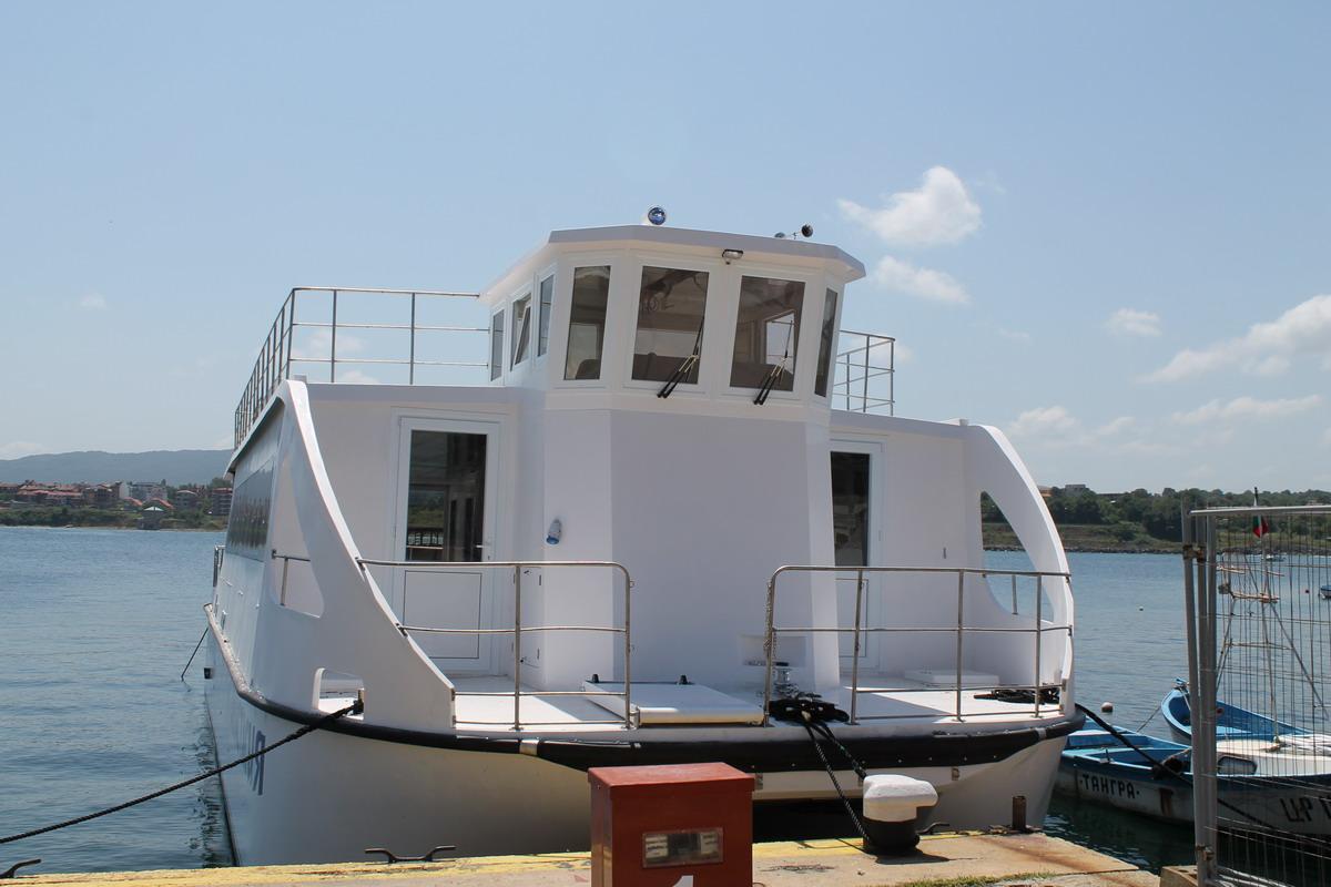 Вижте кога отплават корабчетата за Остров Света Анастасия, през юли има богата културна програма