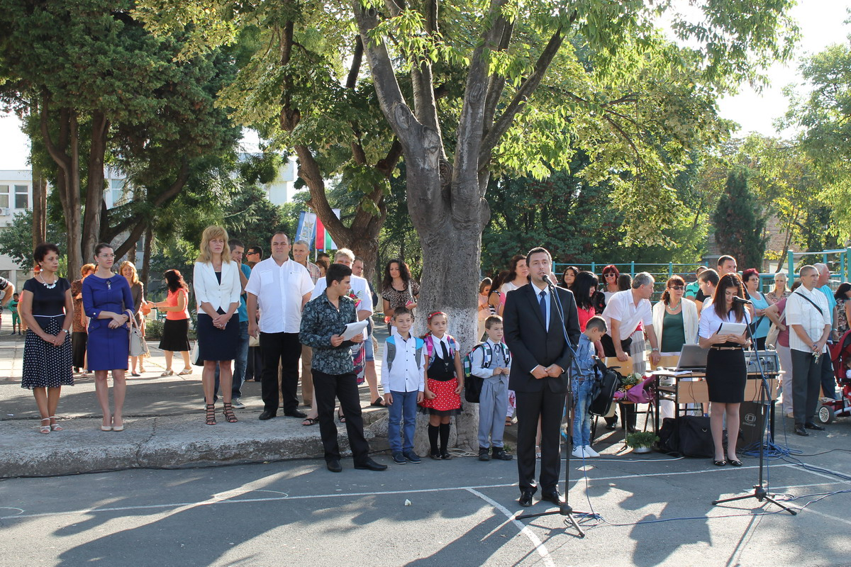 Първи учебен ден за 80 първокласника в Община Царево