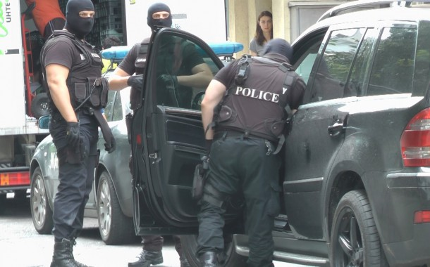 15 души задържани при спецакция в Бургаско за разпространение на наркотици и лихварство