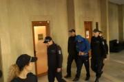Два пъти викат медици в ареста заради задържания Димитър Димитров - Бабата