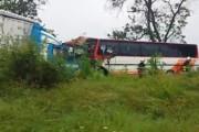 Автобус с 30 учители се е сблъскал челно с камион, има ранени
