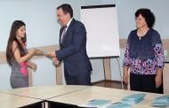 Кметът на Несебър връчи дипломите за средно образование на зрелостниците