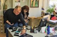 НАП Бургас продава на търг конфискувани Айфони за 4 лева /снимки/
