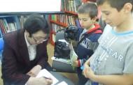 За среща с бургаски деца в града ни пристига писателката Юлия Момчилова