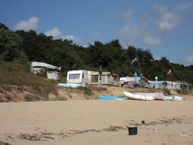 Кметове на морски общини се обявиха против премахване на преместваемите обекти