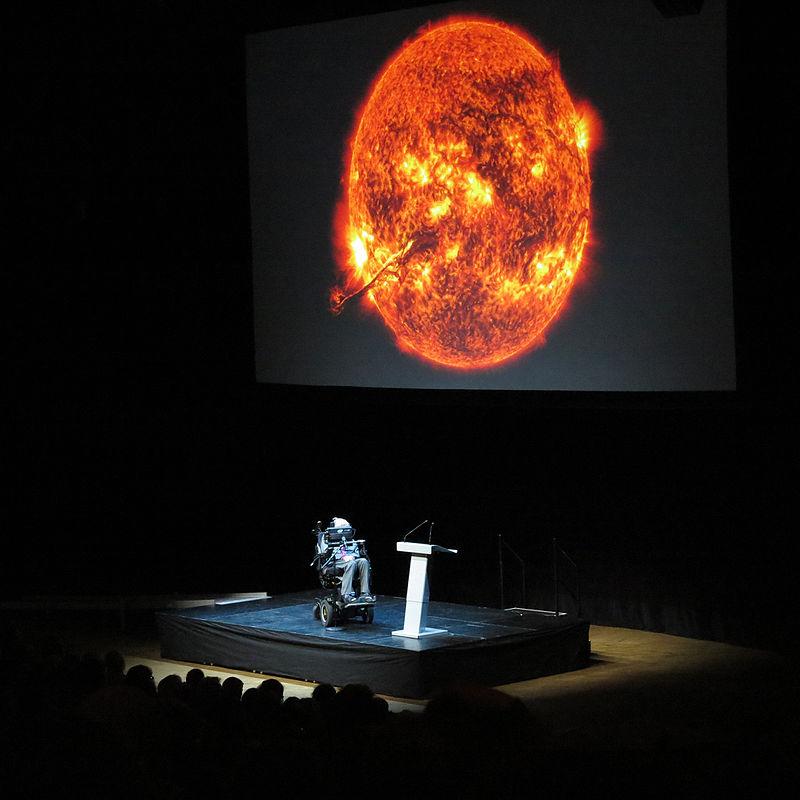 Стивън Хокинг прогнозира: Земята ще се превърне в огнено кълбо