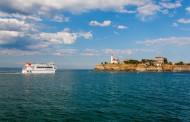 Пускат корабчето до Острова на Лазаровден