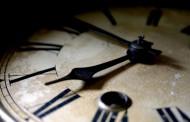 Тази нощ местим часовниците с час напред
