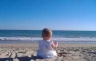 Дерматолози: Кърмачета на плажа? Абсурд!