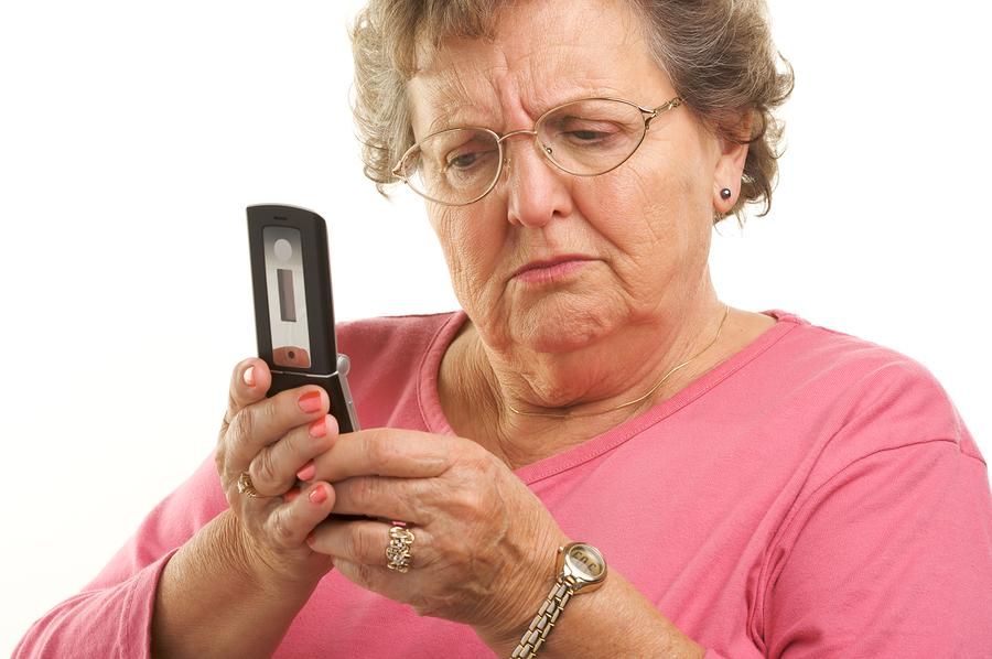 КЗП: Четете целите договори, ако ви офертират в офис на мобилен оператор