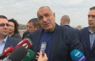 Бойко помогна на катастрофирали младежи край Ямбол (видео)