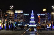 Утре грейва 18- метровата коледна елха в Бургас и светлините на града