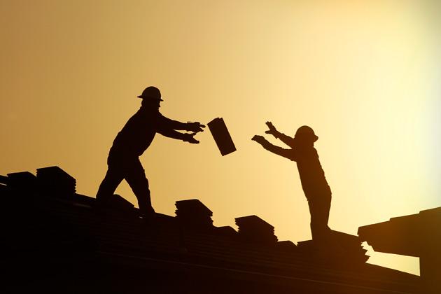 Бизнесът: Няма подготвени кадри, работниците са самоуки