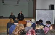"""Жителите на """"Горно Езерово"""" искат повече автобуси в събота"""