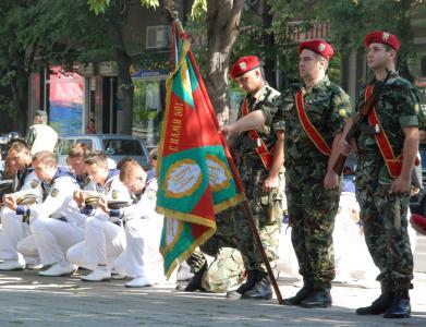 Военен ритуал и литийно шествие за днешния 6 май