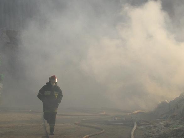 Пожар гори във вилната зона на Черни връх