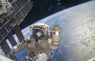 Със сладолед и плодове: Астронавти излетяха за МКС