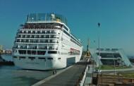 Първият луксозен лайнер за тази година акостира в Бургас, очакват се още три /видео/