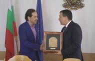 Кметът на Несебър награди Момчил Арнаудов за приноса му в туризма (видео)