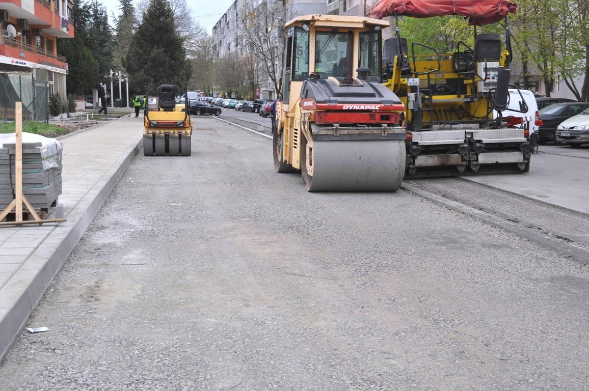 """Затварят за преасфалтиране част от бул. """"Иван Вазов"""" за няколко часа в събота"""