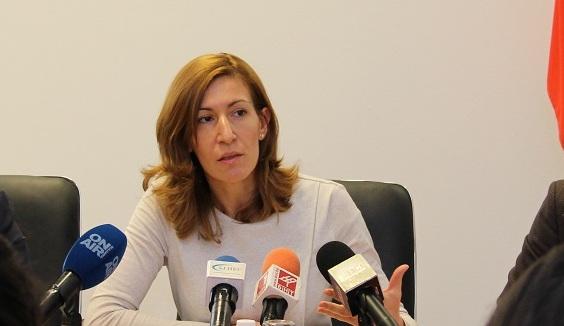 Ангелкова в Бургас: Трудности през лятото ще има, но не сериозни. Организираме важен форум в Слънчев бряг