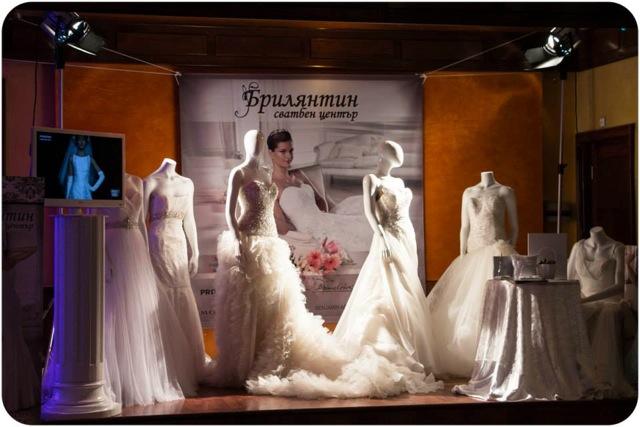 Кметът на Бургас ще бракосъчетава на 14- февруари на площада