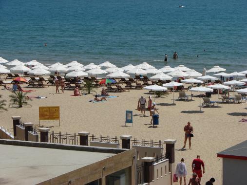 Министър Ангелкова ще провери плажовете на Слънчев бряг