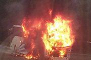 Автобус с туристи се запали край Черноморец. Няма пострадали